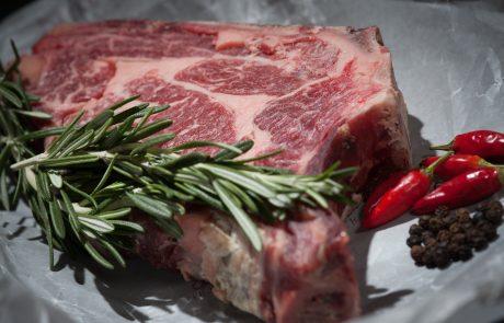 איך להתחיל עם בחורה בשוק של בשר?